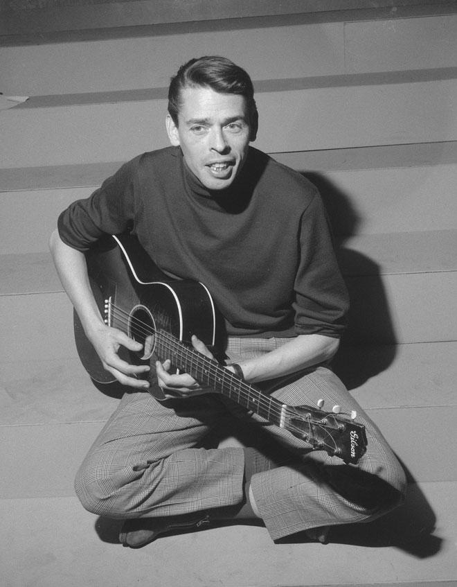 Jacques Brel, émission télévisée «Domino», 20 février 1963 © Joop van Bilsen/Anefo - Nationaal Archief