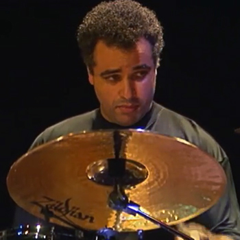 Mino Cinelu, concert enregistré à la Cité de la musique le 17 novembre 1996 © Philharmonie de Paris
