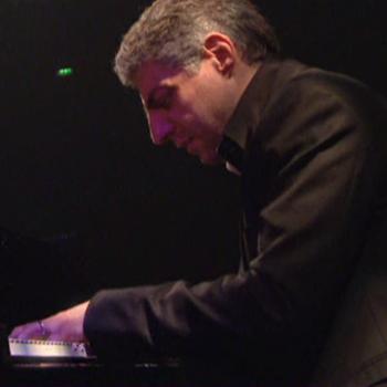 Giovanni Mirabassi, concert enregistré à la Salle Pleyel le 16 novembre 2011 © Cité de la musique - Philharmonie de Paris