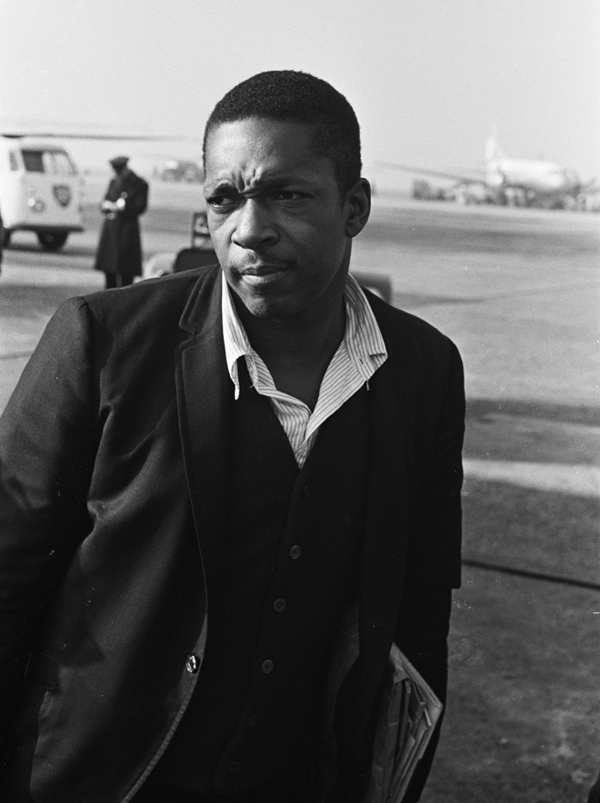 John Coltrane. Photo : Hugo van Gelderen. Source : National Archives of the Netherlands/Anefo, CC0