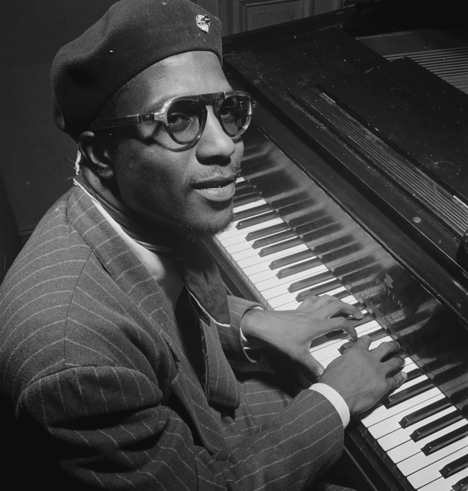 Portrait de Thelonious Monk, Minton's Playhouse, New York, 1947. Source: William P. Gottlieb/Ira and Leonore S. Gershwin Fund Collection, Music Division, Library of Congress