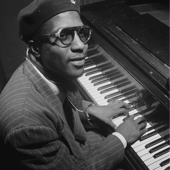 Portrait de Thelonious Monk, Minton's Playhouse, New York, 1947. Source : William P. Gottlieb/Ira and Leonore S. Gershwin Fund Collection, Music Division, Library of Congress