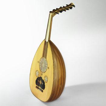 Luth 'ûd © Jean-Marc Anglès (photo) - Musée de la musique - Cité de la musique - Philharmonie de Paris