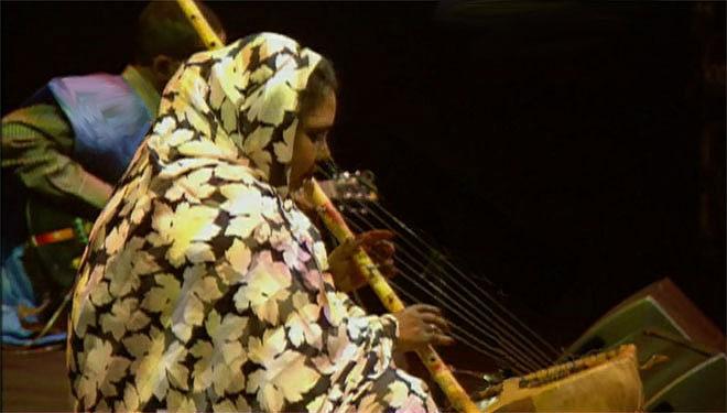 Dimi Mint Abba, harpe ârdîn, concert enregistré le 15 octobre 1999 à la Cité de la musique © Philharmonie de Paris