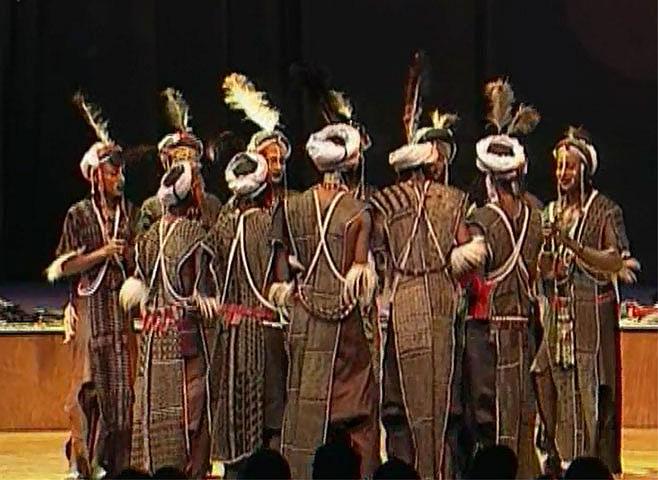 Peuls WoDaaBe, concert enregistré à la Cité de la musique le 24 janvier 2003 © Philharmonie de Paris