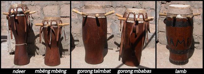 Tambours sabar © photos de Luciana Penna-Diaw