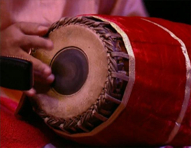 Tambour mridangam, concert enregistré à la Cité de la musique le 11 février 2006 © Philharmonie de Paris