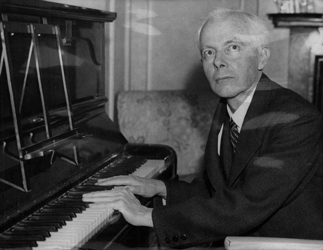 Béla Bartók au piano (1936), New-York Times. Österreichische Nationalbibliothek