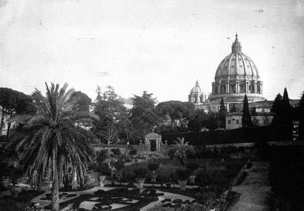 Un coin des jardins du Vatican © Gallica BnF