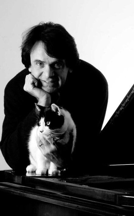 Portrait du compositeur Fabio Vacchi © Wikipedia