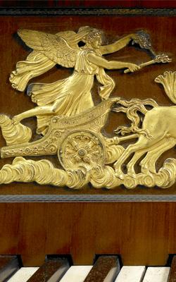 PIANO PYRAMIDAL - Musée de la musique