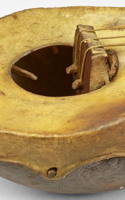 LUTH TYPE KHALAM - Musée de la musique