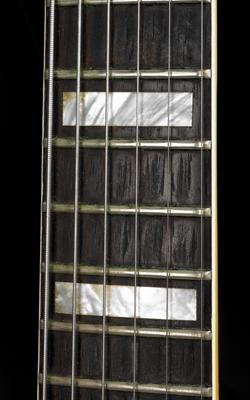 GUITARE ÉLECTRIQUE MODÈLE AL CAIOLA CUSTOM - Musée de la musique