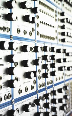 Synthétiseur modular système E-Mu - Musée de la musique