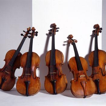 Les 5 violons de Stradivari du Musée de la musique©Giordan