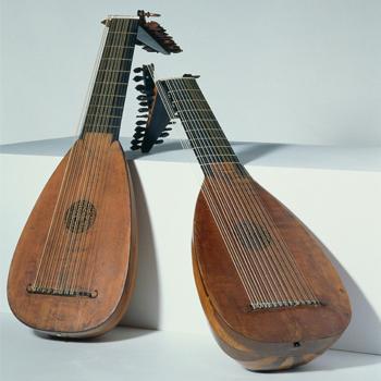 Luths, J. Seelos, S. Schelle, collection Musée de la musique