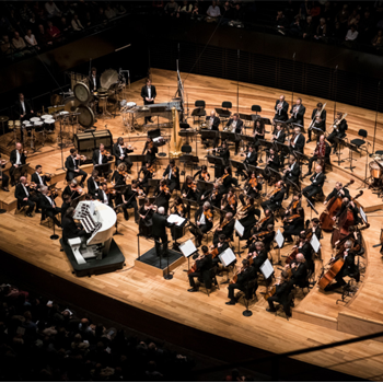 L'Orchestre National de Lyon joue le Requiem de  Duruflé à la Philharmonie de Paris  le 26 novembre 2017 © Nora Houguenade