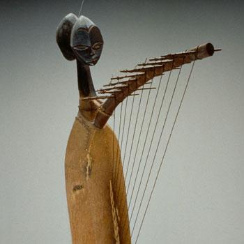 Harpe Ngombi, instrument du Musée de la musique